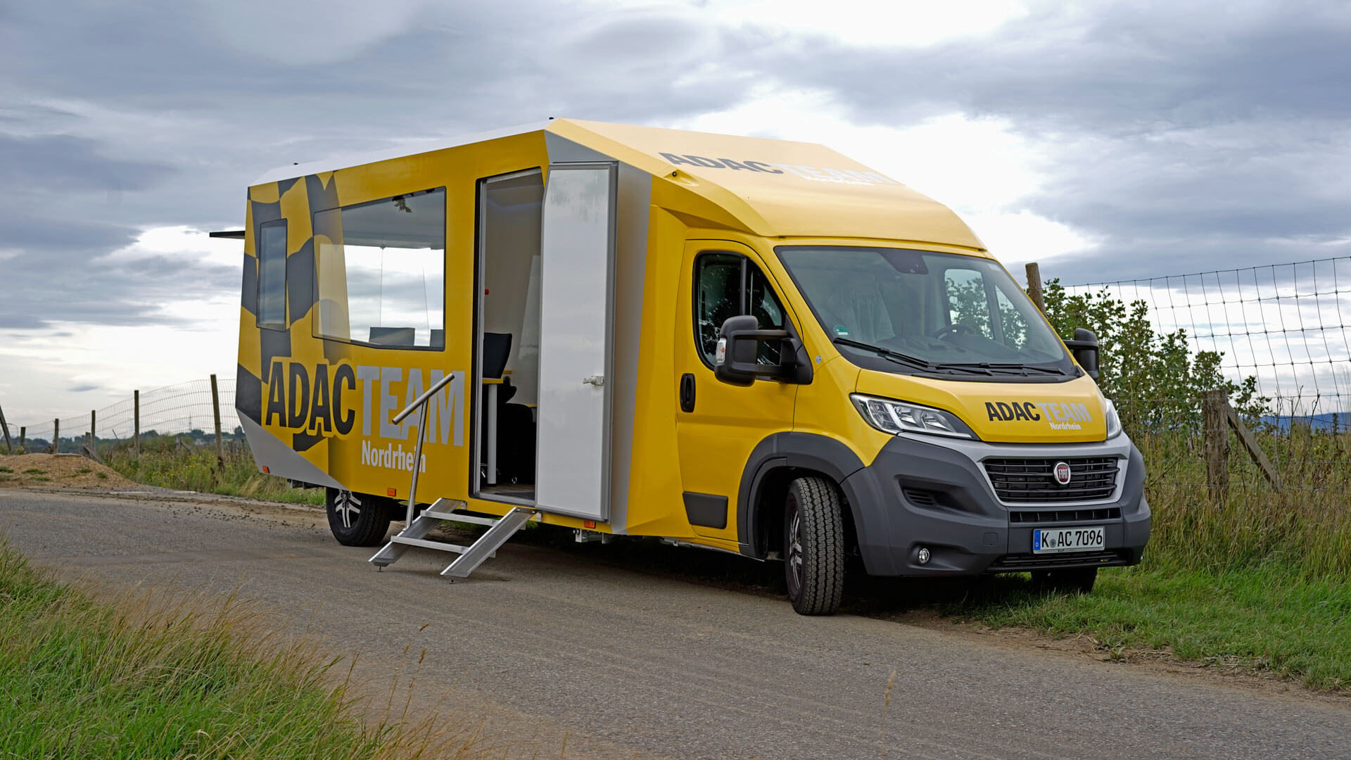ADAC Racing Team Leitstelle Inspire CS - mobiles Marketing